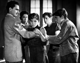 photo 9/20 - Francisco Jambrina actor, Alfonso Mejia - Los Olvidados - © Films Sans Frontières