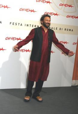 Shekhar Kapur Photocall du film Elizabeth : l'Age d'Or - Festival de Rome photo 7 sur 7