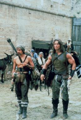 photo 2/23 - Gerry Lopez, Arnold Schwarzenegger - Conan le barbare - © Fox Path� Europa