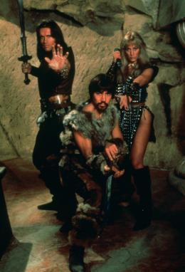 photo 6/23 - Arnold Schwarzenegger, Gerry Lopez, Sandahl Bergman - Conan le barbare - © Fox Path� Europa