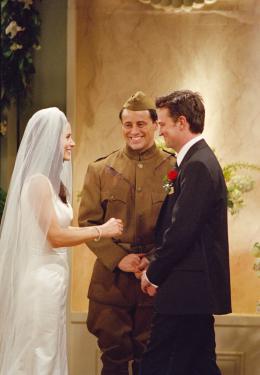 photo 7/10 - Saison 7- Courteney Cox, Matt Leblanc, Matthew Perry - Friends - Saison 7 - © Warner Bros