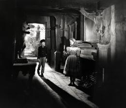 photo 35/68 - Jean Simmons, Anthony Wager - Les grandes espérances - © Filmedia