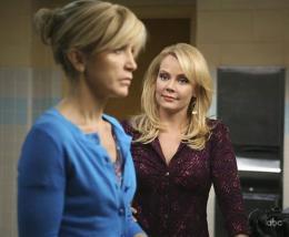 photo 17/49 - Felicity Huffman, Gail O'Grady - Saison 5 - Desperate Housewives - Saison 5 - © ABC