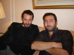 photo 22/23 - Julien Boisselier & Gilles Lelouche - On va s'aimer - © Commeaucinema.com