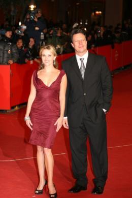 Gavin Hood Reese Witherspoon et le réalisateur Gavin Hood - Tapis Rouge du Film Rendition - Festival de Rome 2007 photo 5 sur 5