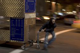 photo 1/6 - Man Push Cart - © Cine Classic