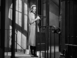 photo 8/15 - Joan Fontaine - Lettre d'une inconnue - © Carlotta Films