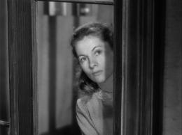photo 9/15 - Joan Fontaine - Lettre d'une inconnue - © Carlotta Films