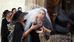photo 15/17 - Donatella Finocchiaro - Le Metteur En Sc�ne De Mariages - © Films sans Fronti�res