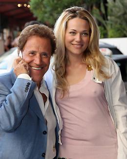 Laura Chiatti Cannes 2006 photo 8 sur 10