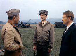 Paris br�le-t-il ? Glenn Ford, Claude Dauphin, Pierre Vaneck photo 9 sur 9
