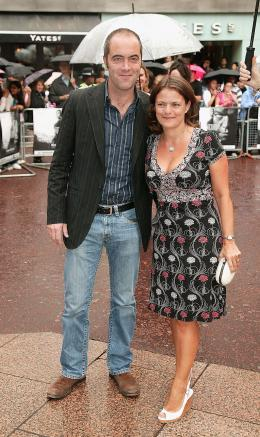photo 85/133 - James Nesbitt et son invit�e - Avant-Premi�re � Londres, le 15 ao�t 2007 - La Vengeance dans la Peau - © Paramount