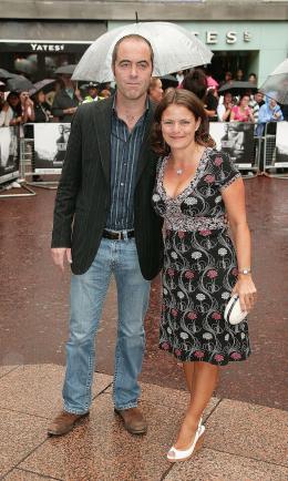 photo 86/133 - James Nesbitt et son invit�e - Avant-Premi�re � Londres, le 15 ao�t 2007 - La Vengeance dans la Peau - © Paramount