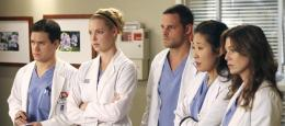 photo 212/308 - Saison 3- Sandra OhEllen PompeoJustin ChambersT.R. KnightKatherine Heigl - Grey's Anatomy - © ABC