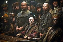 photo 31/43 - Takayo Fischer (au centre) - Pirates des Caraïbes : Jusqu'au bout du monde - © BVI