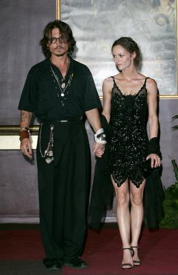 photo 54/81 - Avant-premi�re parisienne du film, juillet 2006 - Pirates des Cara�bes, le secret du coffre maudit - © BVI