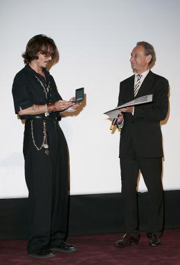 photo 74/81 - Avant-premi�re parisienne du film, juillet 2006 - Pirates des Cara�bes, le secret du coffre maudit - © BVI