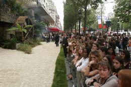 photo 45/81 - Avant-premi�re parisienne du film, juillet 2006 - Pirates des Cara�bes, le secret du coffre maudit - © BVI
