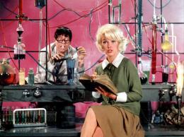 photo 1/13 - Jerry Lewis, Stella Stevens - Docteur Jerry et mister Love - © Flash Pictures