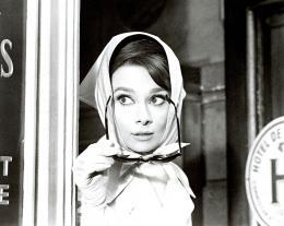 photo 2/6 - Audrey Hepburn - Charade - © Action Cinéma