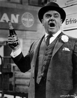 photo 1/5 - James Cagney - Un, Deux, trois - © Swashbuckler Films