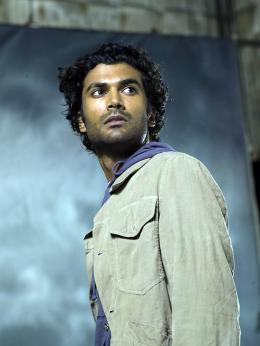 photo 24/51 - Sendhil Ramamurthy - Saison 1 - Heroes - Saison 1