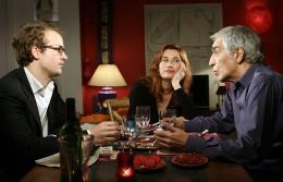 Deux Vies Plus Une Jocelyn Quivrin, Gérard Darmon et Emmanuelle Devos photo 4 sur 10