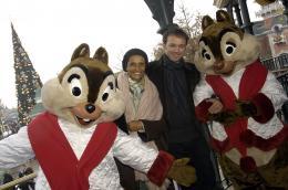 photo 135/263 - Vincent Pérez et sa femme - Avant-Première à Paris - Novembre 2007 - Il était une fois - © Walt Disney Studios Motion Pictures France
