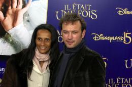 photo 149/263 - Vincent Pérez et sa femme - Avant-Première à Paris - Novembre 2007 - Il était une fois - © Walt Disney Studios Motion Pictures France