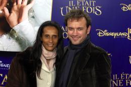 photo 150/263 - Vincent Pérez et sa femme - Avant-Première à Paris - Novembre 2007 - Il était une fois - © Walt Disney Studios Motion Pictures France