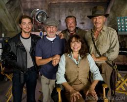 photo 16/126 - Shia Labeouf, Steven Spielberg, Ray Winstone, Karen Allen, Harrison Ford - Indiana Jones et le Royaume du Cr�ne de Cristal - © Paramount