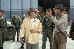 photo 24/126 - Steven Spielberg, Harrison Ford - Indiana Jones et le Royaume du Cr�ne de Cristal - © Paramount