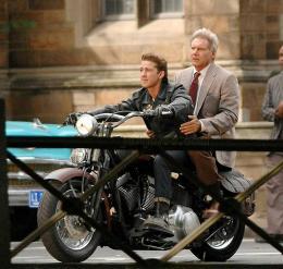 photo 12/126 - Shia Labeouf et Harrison Ford - Indiana Jones et le Royaume du Cr�ne de Cristal - © Paramount - IndianaJones.Com