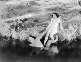 Johnny Weissmuller Tarzan, l'homme singe photo 2 sur 14