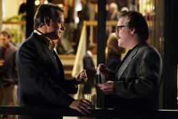 photo 5/37 - Tom Hanks et Philip Seymour Hoffman - La Guerre Selon Charlie Wilson - © Paramount