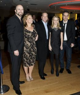 photo 96/121 - Kiefer Sutherland, Reese Witherspoon, Rob Letterman, Lisa Stewart et Conrad VernonRob Letterman, Lisa Stewart et Conrad Vernon - Avant-première à Londres (Mars 2009) - Monstres contre Aliens - © Paramount
