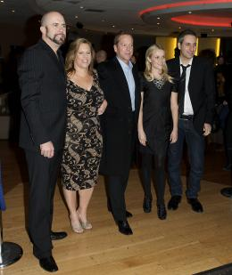 photo 97/121 - Kiefer Sutherland, Reese Witherspoon, Rob Letterman, Lisa Stewart et Conrad VernonRob Letterman, Lisa Stewart et Conrad Vernon - Avant-première à Londres (Mars 2009) - Monstres contre Aliens - © Paramount