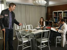 photo 21/60 - Dr House - Saison 5 - Hugh Laurie - © FOX