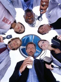 photo 53/60 - Dr. House - Saison 1 - Hugh Laurie - © 2004 FOX BROADCASTING COMPANY