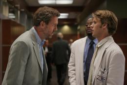 photo 49/60 - Dr. House Saison 3 - Hugh Laurie