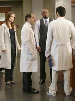 photo 8/16 - Omar Epps, Peter Jacobson, Olivia Wilde Saison 4 - Dr. House - Saison 4