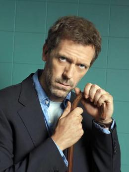 photo 51/60 - Dr. House  - Saison 1 - Hugh Laurie - © 2004 FOX BROADCASTING COMPANY