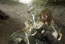 Survivre avec les loups Mathilde Goffart photo 10 sur 16