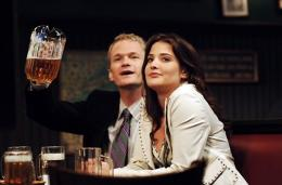 photo 12/19 - Cobie Smulders, Neil Patrick Harris - How I met your mother - Saison 1 - © CBS