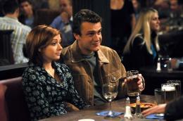 photo 13/19 - Jason Segel, Alyson Hannigan - How I met your mother - Saison 1 - © CBS