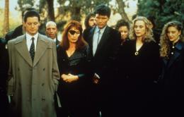 Twin Peaks - Saison 1 Kyle MacLachlan,  Wendy Robie, Everett McGill, Peggy Lipton et Kimmy Robertson photo 7 sur 136