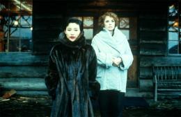 photo 29/136 - Piper Laurie et Joan Chen - Twin Peaks - Saison 1
