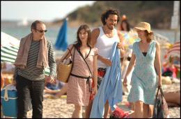 photo 35/35 - Philippe Harel, Géraldine Pailhas, Vincent Elbaz et Karin Viard - Les Randonneurs à Saint Tropez - © TFM Distribution