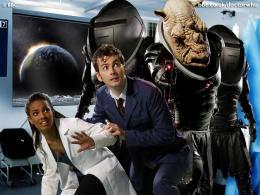 photo 298/320 - Freema Agyeman, David Tennant - Doctor Who - © BBC