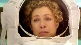 photo 110/320 - Alex Kingston - Doctor Who - © BBC